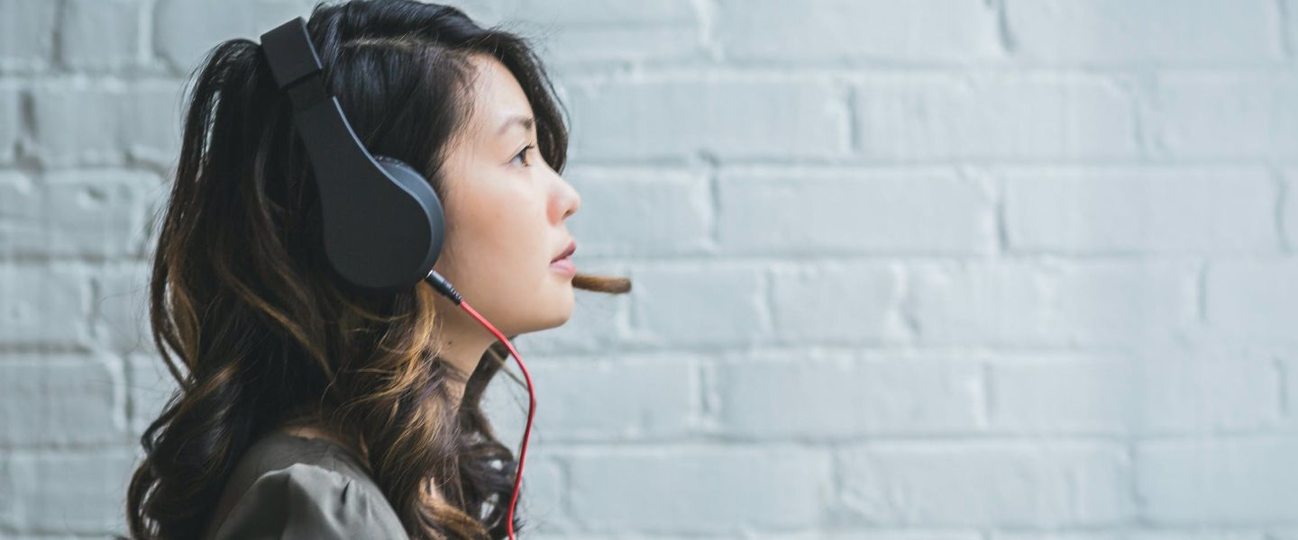 is gaming headset good for online teaching?